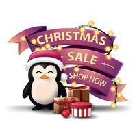 vente de noël, boutique maintenant, bannière de réduction sous forme de guirlande enveloppée de rubans roses, pingouin en chapeau de père noël avec des cadeaux et arbre de noël vecteur