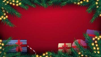 Noël fond rouge avec cadre d'arbre de Noël avec guirlande d'ampoule jaune et cadeaux, vue du dessus vecteur