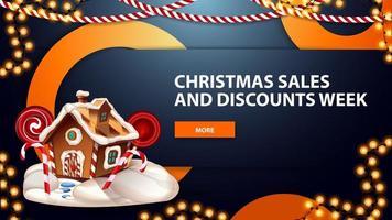 Ventes et remises de Noël semaine, bannière web moderne horizontale bleue avec bouton, guirlandes, anneaux décoratifs et maison de pain d'épice de Noël vecteur
