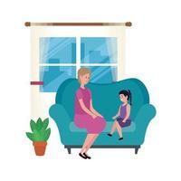 mignonne grand-mère avec petite-fille dans les personnages du canapé