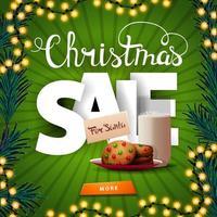 Vente de Noël, bannière de remise verte carrée avec de grandes lettres volumétriques, bouton et biscuits avec un verre de lait pour le père Noël