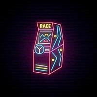 Enseigne au néon de machine de jeu d'arcade de course vecteur