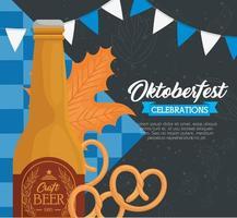 bannière de célébration oktoberfest avec bouteille de bière artisanale et décorations vecteur