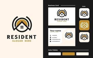 maison de toit avec icône de point logo immobilier et modèle de carte de visite. ensemble de marque vecteur
