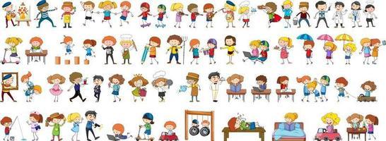ensemble de différents personnages de dessins animés pour enfants doodle vecteur