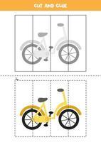 jeu de coupe et de colle pour les enfants. vélo de dessin animé. vecteur
