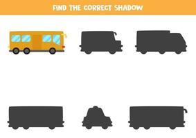 trouver la bonne ombre du bus de la ville. puzzle logique pour les enfants. vecteur