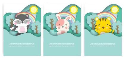 cartes de douche de bébé avec des animaux mignons dans le style de papier découpé de forêt. vecteur