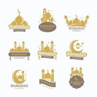 ensemble d & # 39; insigne de ramadan kareem avec mosquée vecteur