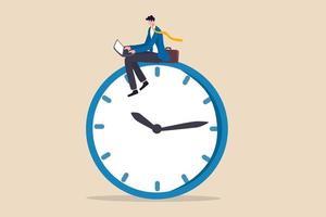 après les heures de travail, travaillant des heures supplémentaires tardives ou une carrière qui travaillent dans un concept de temps différent, homme d'affaires confiant utilisant un ordinateur portable assis sur une horloge travaillant la nuit avec un collègue dans un autre pays. vecteur