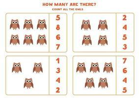 jeu de mathématiques de comptage avec des hiboux de dessin animé mignon.