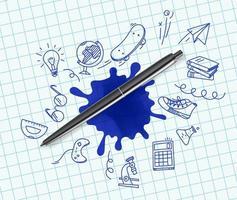 stylo avec des éléments de griffonnage illustration vectorielle vecteur