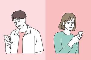 un homme et une femme regardent leurs téléphones portables et sourient. illustrations de conception de vecteur de style dessiné à la main.