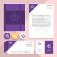Modèle vectoriel d'identité corporative féminin violet luxe plat