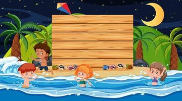 enfants en vacances d'été à la scène de nuit de plage avec un modèle de bannière en bois vide vecteur