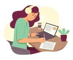 femme indépendante travaille en ligne avec un ordinateur portable et écoute à partir d'un casque vecteur