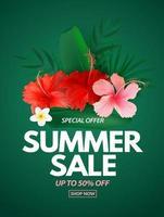 affiche de vente d'été fond naturel avec des feuilles de palmiers tropicaux et des fleurs exotiques vecteur