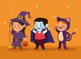 mignons petits enfants déguisés en chat et sorcière avec des personnages vampires vecteur