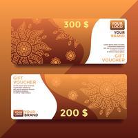 Vecteur de modèles de bon de carte cadeau Batik brun