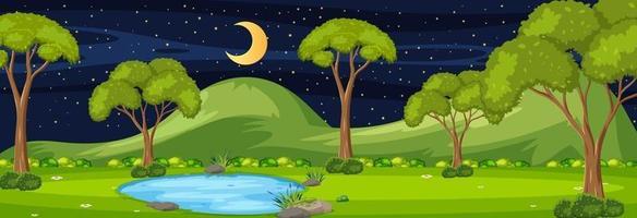 Scène horizontale de la forêt la nuit avec de nombreux arbres vecteur