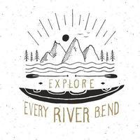 étiquette vintage kayak et canoë, croquis dessinés à la main, insigne rétro texturé grunge, impression de t-shirt de conception de typographie, illustration vectorielle vecteur