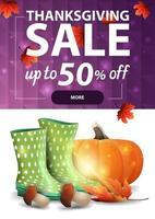 vente de Thanksgiving, bannière web à remise verticale pour votre site avec texture polygonale, bottes en caoutchouc, citrouille, champignons et feuille d'automne vecteur