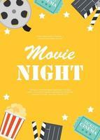 cinéma abstrait nuit cinéma fond plat avec bobine, billet de style ancien, gros pop corn et icônes de symbole de clapet. illustration vectorielle vecteur