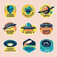 collection de badges ovni et extraterrestres dans un style vintage vecteur