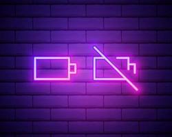 ensemble d'icône de batterie au néon. signe lumineux du chargeur. symbole de vecteur de batterie faible et pleine isolée sur le mur de briques.