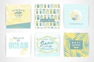Jeu de cartes d'été avec des éléments de dessin à main.