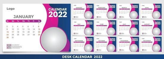 calendrier 2022, définir la conception du modèle de calendrier de bureau avec place pour la photo et le logo de l'entreprise. la semaine du lundi au dimanche. lot de 12 mois vecteur