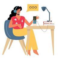 une fille enregistre un podcast à son bureau, une diffusion audio, une diffusion en ligne sur les réseaux sociaux ou travaille en ligne. la fille est une pigiste utilisant un ordinateur sur le lieu de travail vecteur