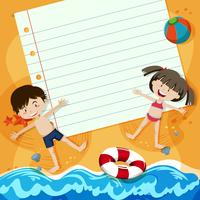 Note de papier et enfants à la plage