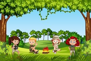 Camping les enfants dans la nature