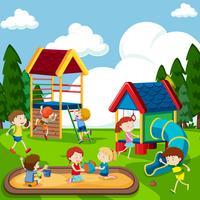 Enfants jouant sur une aire de jeux vecteur