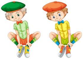 Garçons dans des chemises de couleurs différentes