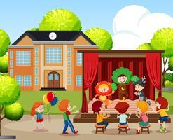 Enfants se produisant sur scène