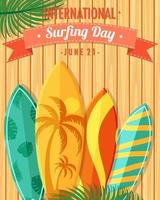 police de la journée internationale du surf avec des planches de surf sur fond de bois vecteur