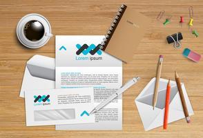 Bureau réaliste avec différents objets, illustration vectorielle