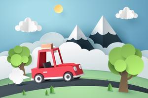 Route de campagne de voiture rouge près de montagne, origami et concept de voyage