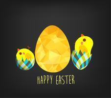 Carte de voeux joyeuses Pâques dans le style triangle low poly. Polygone design plat d'oeuf de Pâques doré et poulet isolé sur fond noir
