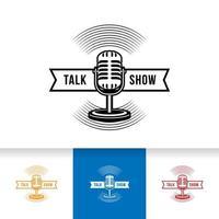 podcast ou logo de karaoké vocal de chanteur avec icône de microphone et de vinyle. vecteur