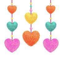 illustration vectorielle colorée d'éléments décoratifs avec des pompons en forme de coeur suspendu aux cordes comme guirlande de perles isolées sur fond blanc. décor pour la conception de la Saint-Valentin. vecteur