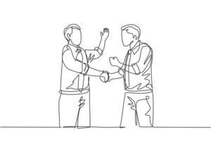 un dessin au trait unique de deux jeunes collègues hommes d'affaires heureux se serrant la main pour s'occuper du travail d'équipe. concept de célébration d'accord commercial ligne continue graphique dessiner illustration vectorielle vecteur