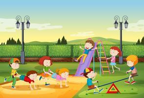 Enfants jouant dans le parc vecteur