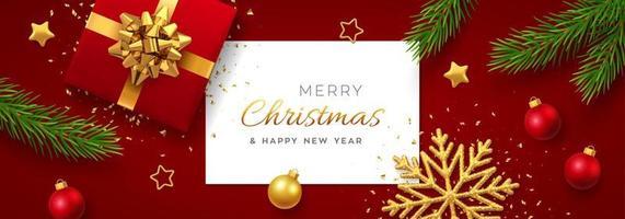 fond de noël avec bannière en papier carré, boîte-cadeau rouge réaliste avec arc doré, branches de pin, étoiles dorées et flocon de neige scintillant, boule de boules. fond de Noël, cartes de voeux. vecteur. vecteur