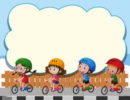 Modèle de frontière avec quatre enfants à vélo vecteur