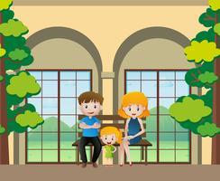 Membres de la famille assis sur le banc