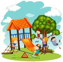 Beaucoup d'enfants jouent dans l'aire de jeux vecteur
