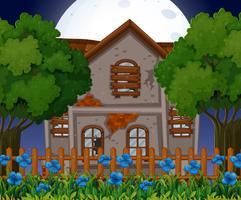Vieille maison de brique au moment de la nuit